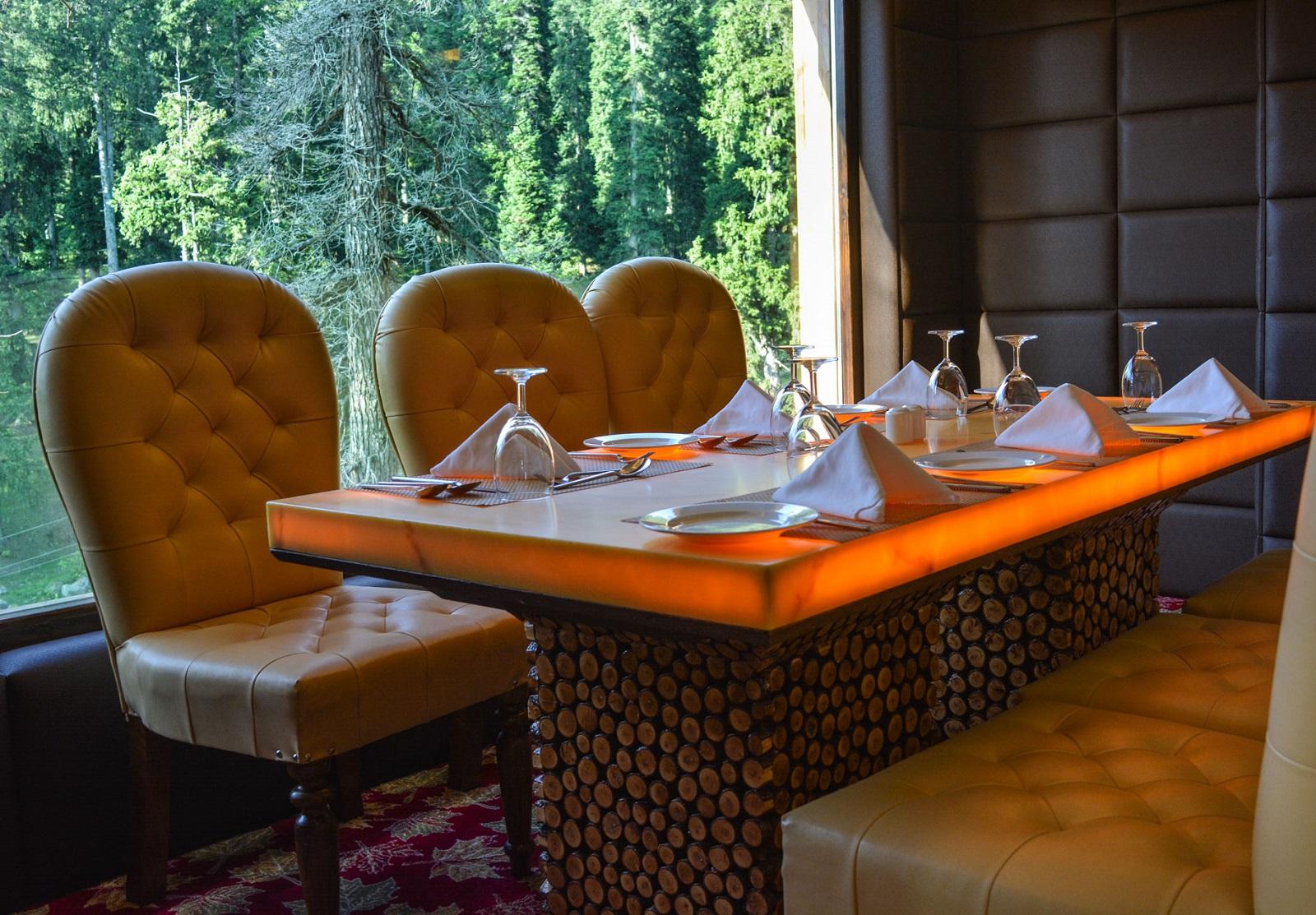 rosewood-gulmarg-restaurant